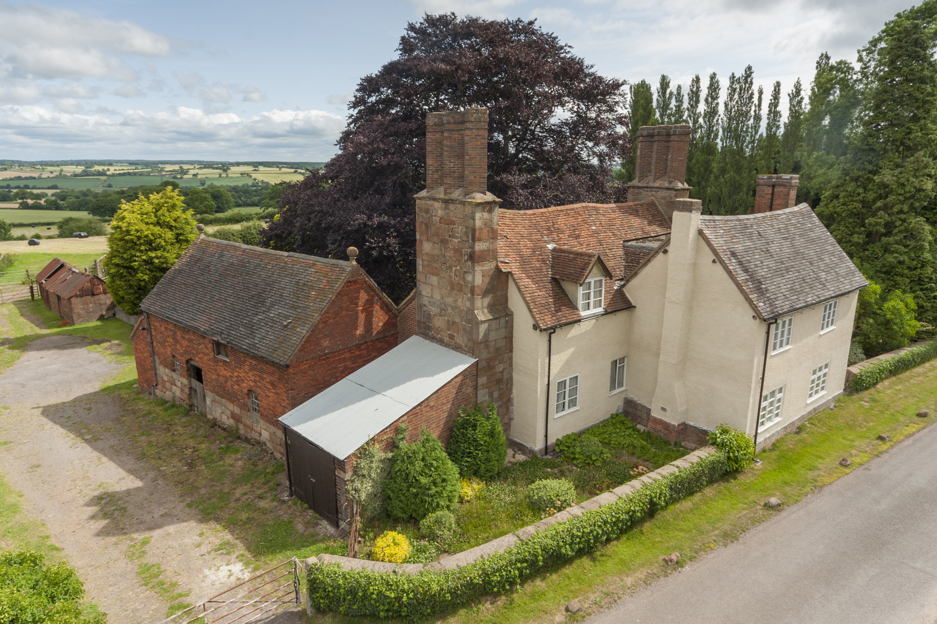 Collyers Oak Farmhouse-3 bed detached farmhouse fillongley for sale by public auction warwickshire