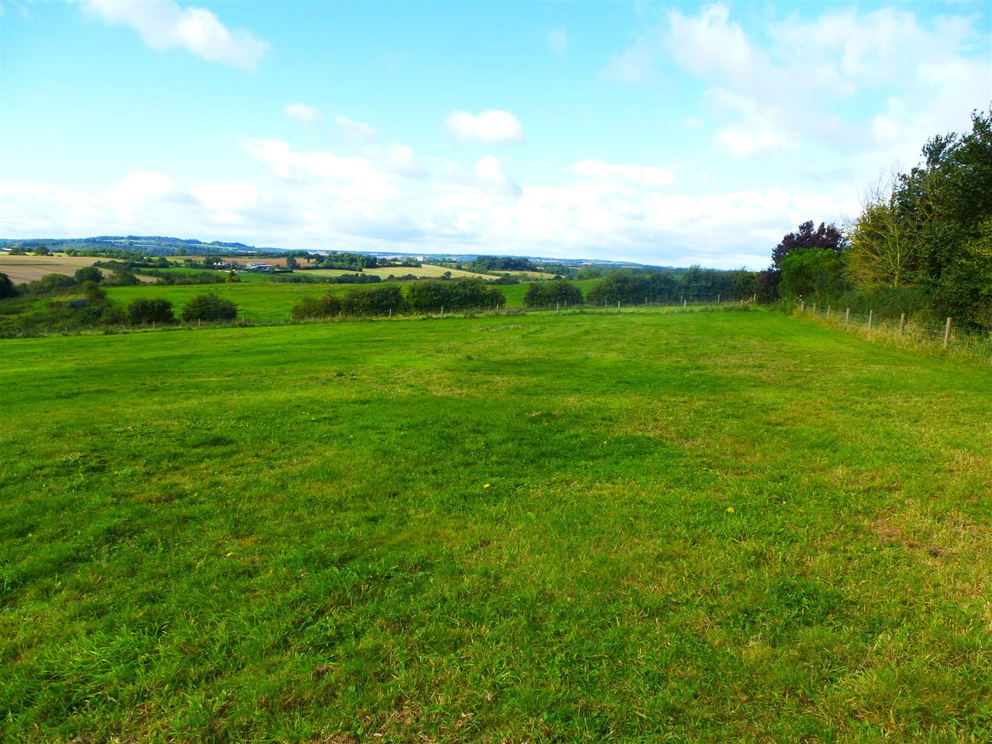 3 acres pasture at Stretton on Fosse