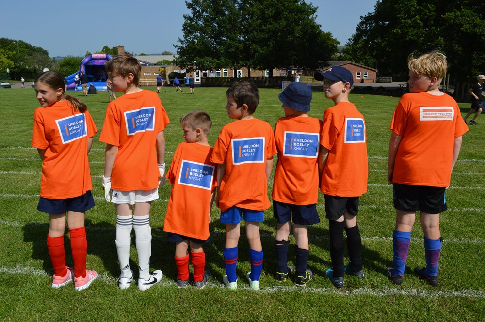 Sheldon Bosley Knight Sponsors Shipston Primary School T-shirts